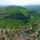 The Bosnian and Egyptian Pyramids